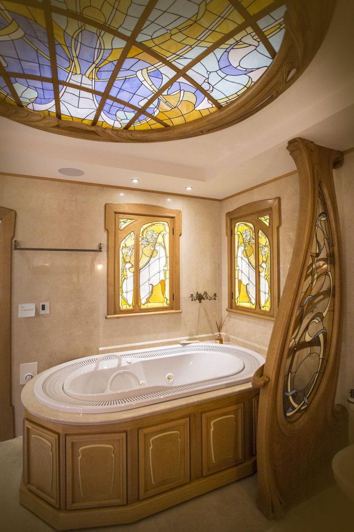 vitrail dans la salle de bain