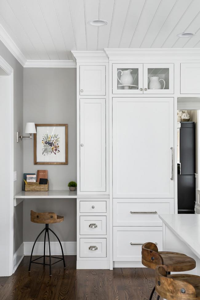 La doublure, en raison de ses qualités, est une excellente option pour la finition du plafond de la cuisine