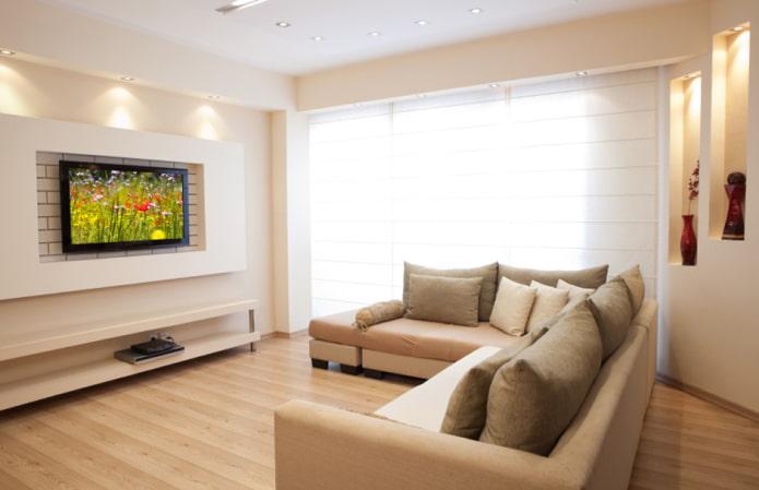 TV dans une niche en placoplâtre à l'intérieur