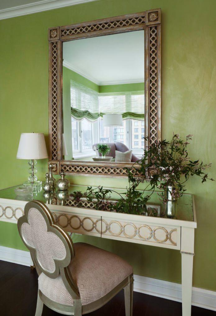 mur de couleur olive