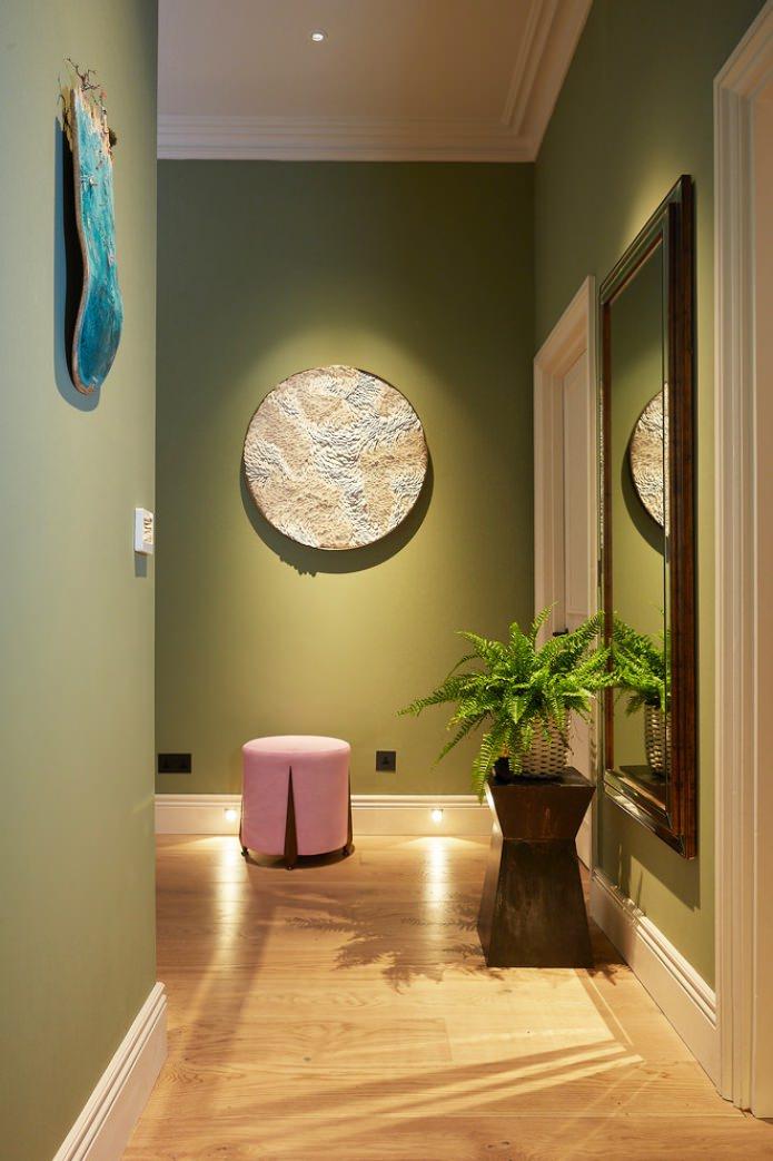 murs d'oliviers dans le couloir