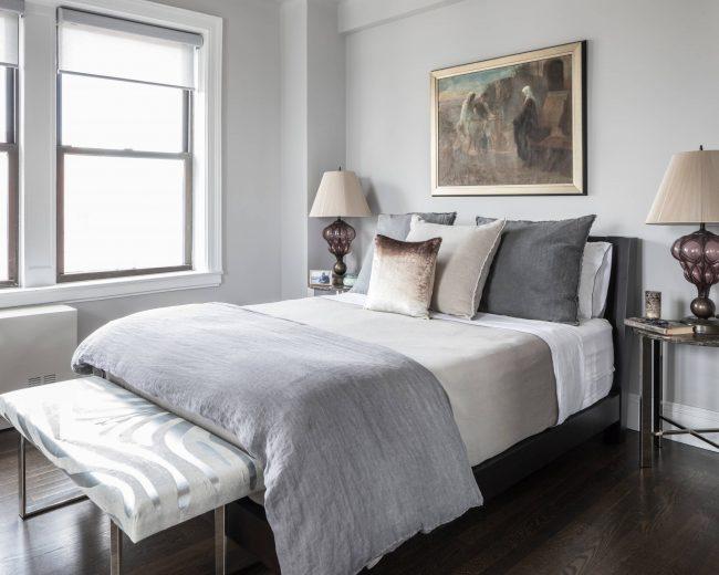 Avec un éclairage insuffisant dans la pièce, la préférence doit être donnée aux tons clairs et sourds.