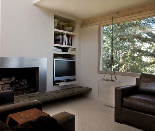 Étagère TV dans une maison Art Nouveau