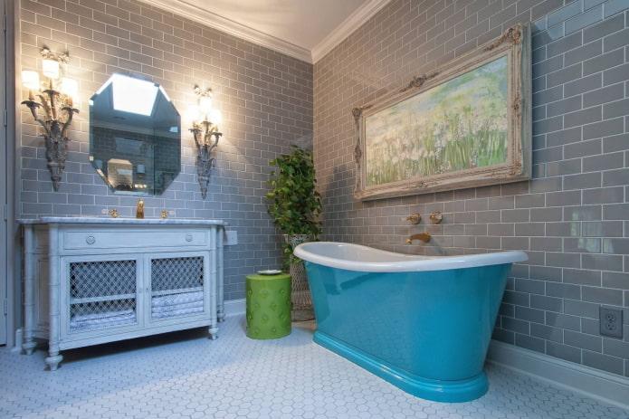 salle de bain dans des tons gris avec des accents gris
