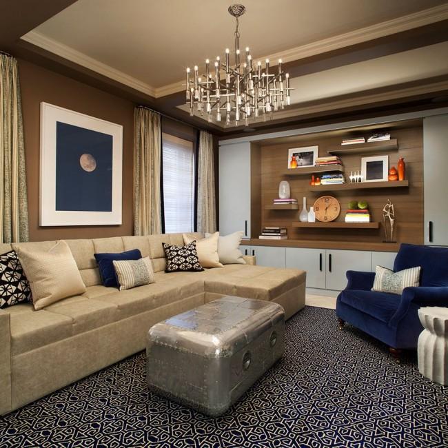 Le mur de meubles peut être acheté prêt à l'emploi ou commandé selon votre propre design