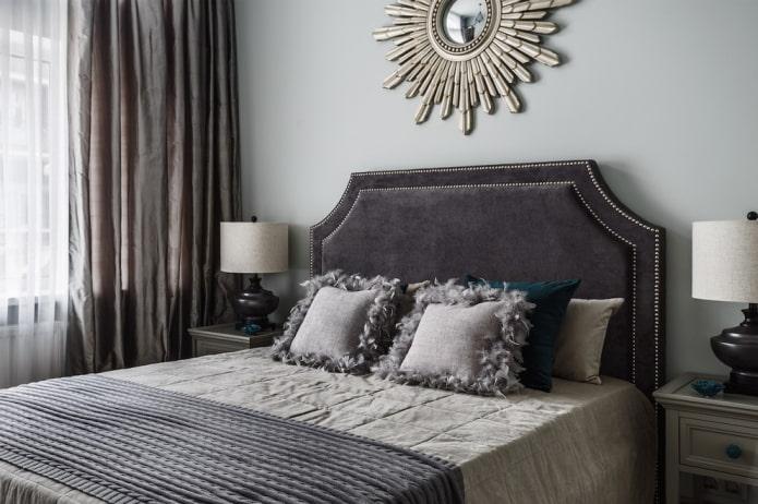 tête de lit avec oeillets