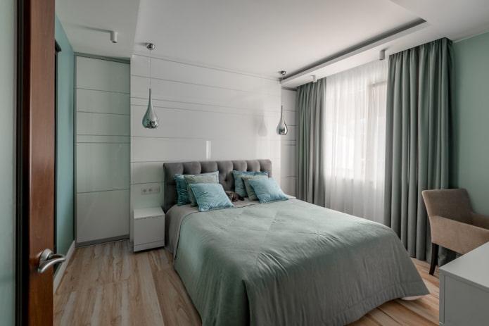 tête de lit moelleuse dans la chambre