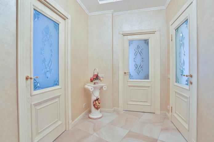 portes avec inserts en verre à motifs