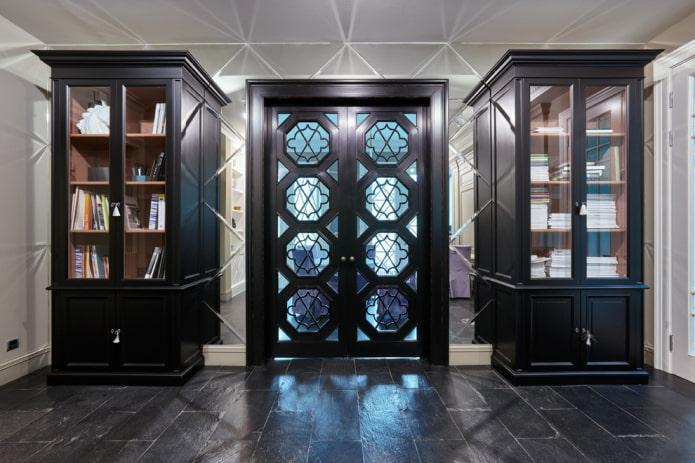 portes avec inserts en verre figuré