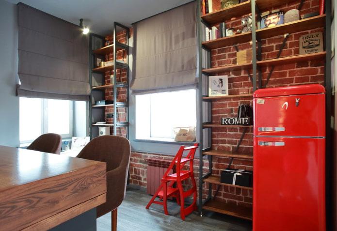 étagères au plafond à l'intérieur de la cuisine