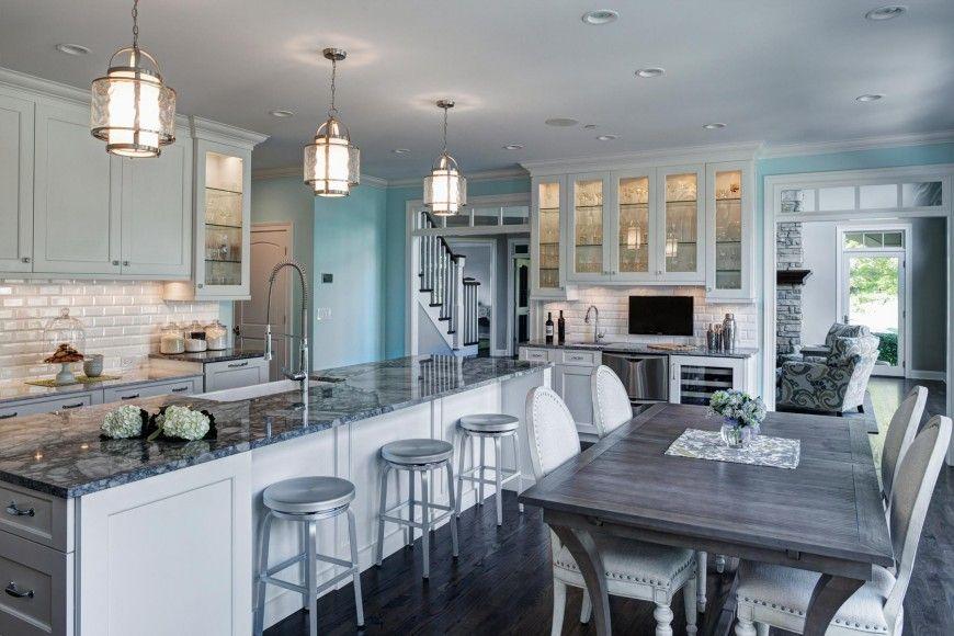 Trouvez l'endroit le plus visible dans la cuisine sous tous les angles, ce sera l'endroit parfait pour la télévision