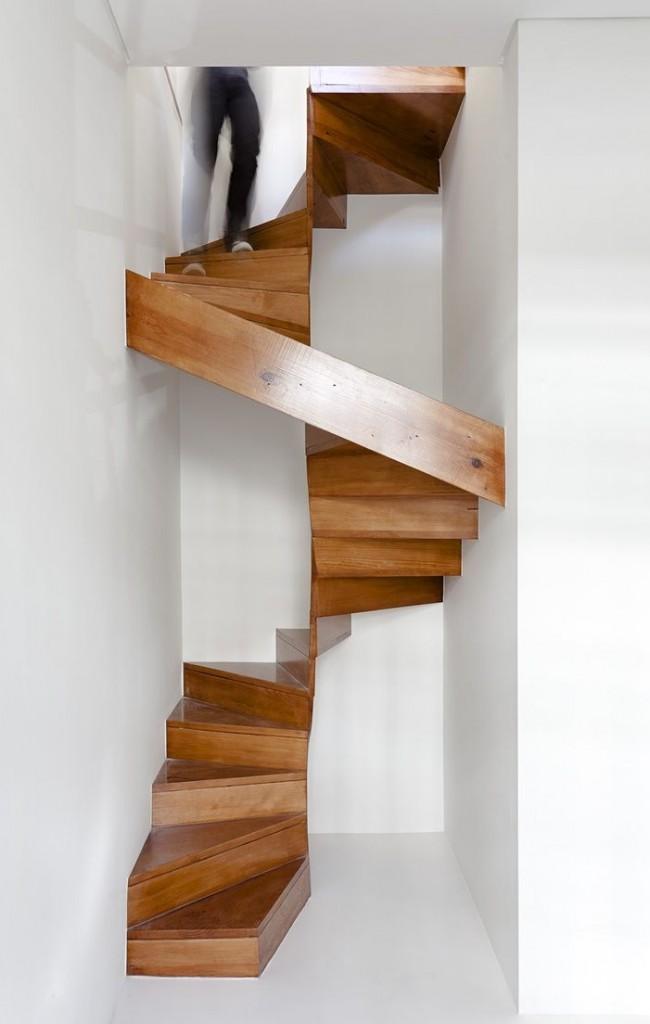 Escalier en bois élégant