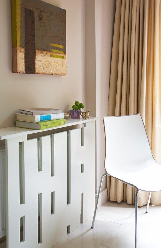 Boîte en bois dans un intérieur de style moderne
