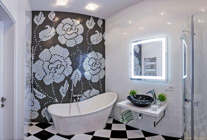 Intérieur de salle de bain en noir et blanc