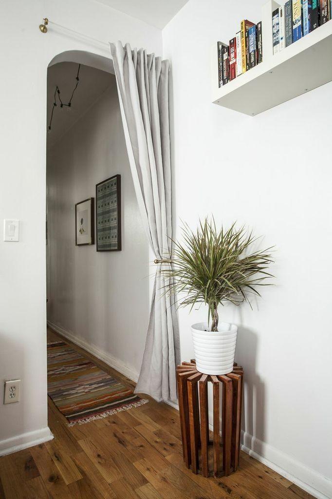 Un rideau occultant peut remplacer une porte intérieure