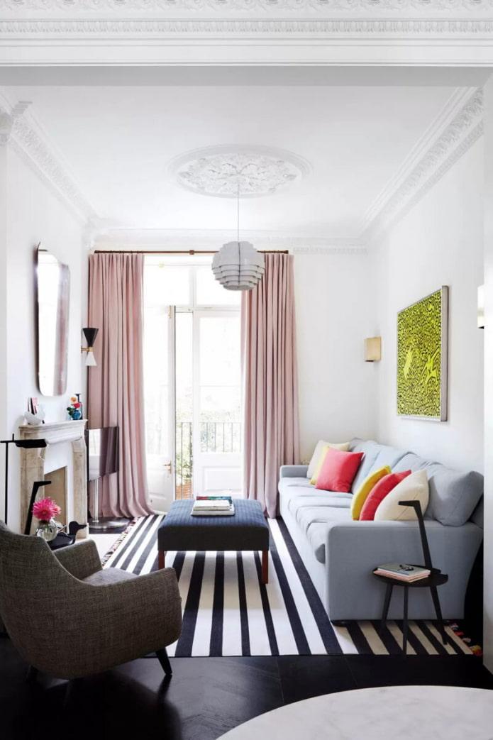 petit salon avec balcon