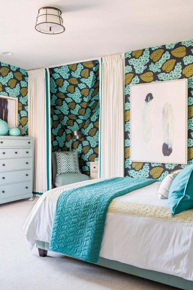 Aujourd'hui, la turquoise est également très pertinente dans les textiles.