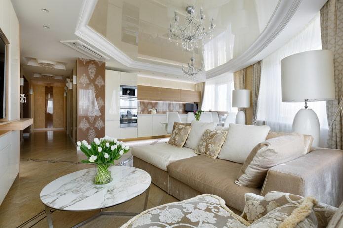 combinaison de plaques de plâtre avec un plafond tendu dans le salon