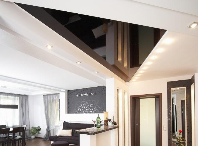 plafond en plaques de plâtre en forme de triangle