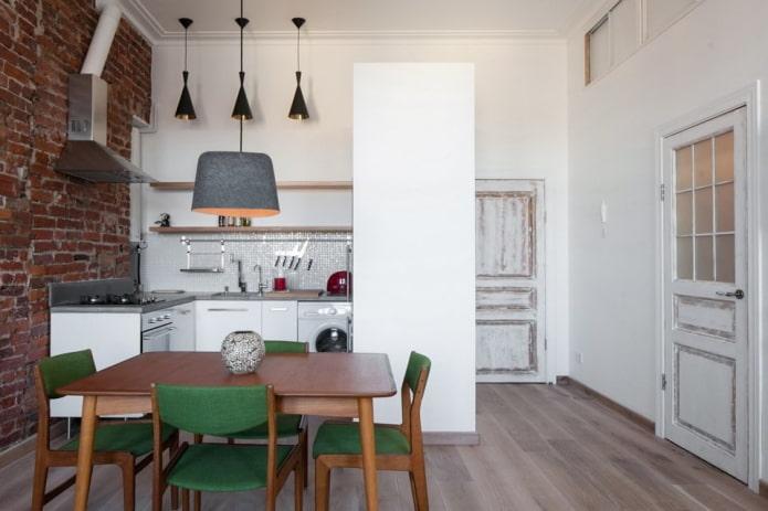 portes intérieures dans la cuisine de style loft