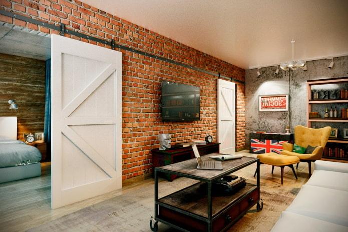 portes blanches à l'intérieur dans le style loft