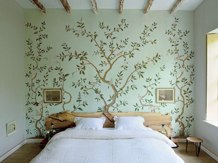 Peindre les murs de la chambre (bois)