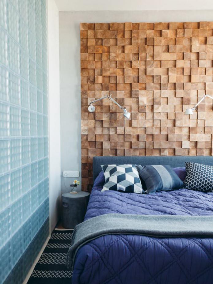 Chambre à coucher moderne avec mur en bois