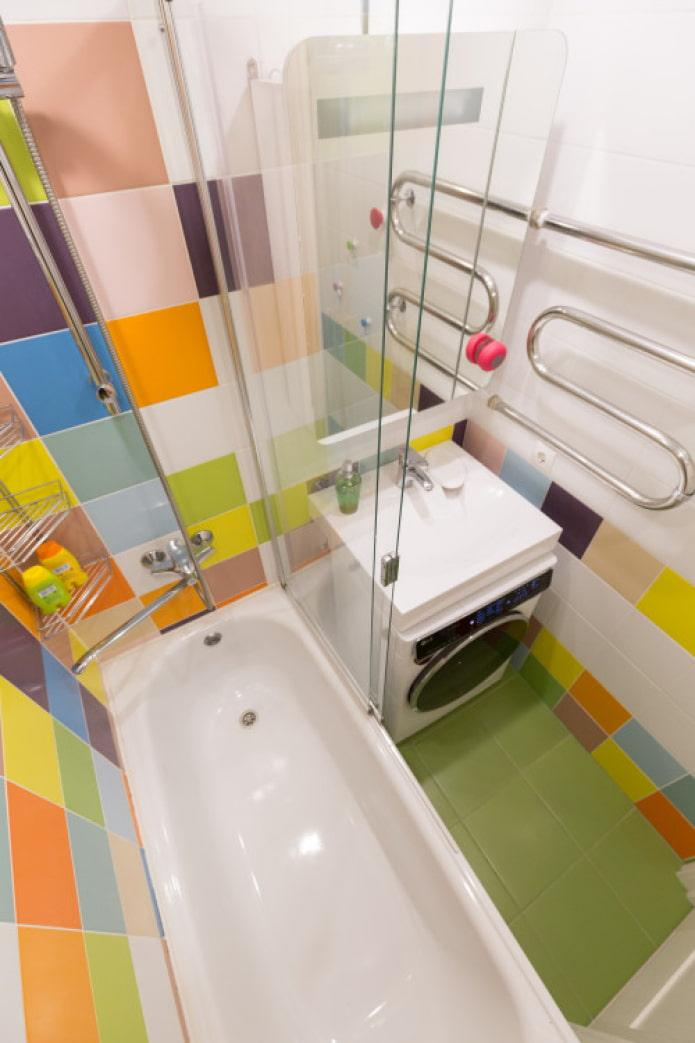 petite salle de bain lumineuse