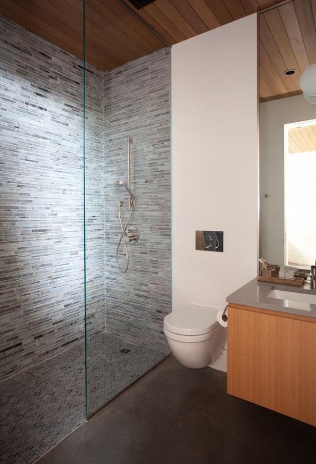 Style moderne à l'intérieur de la salle de bain