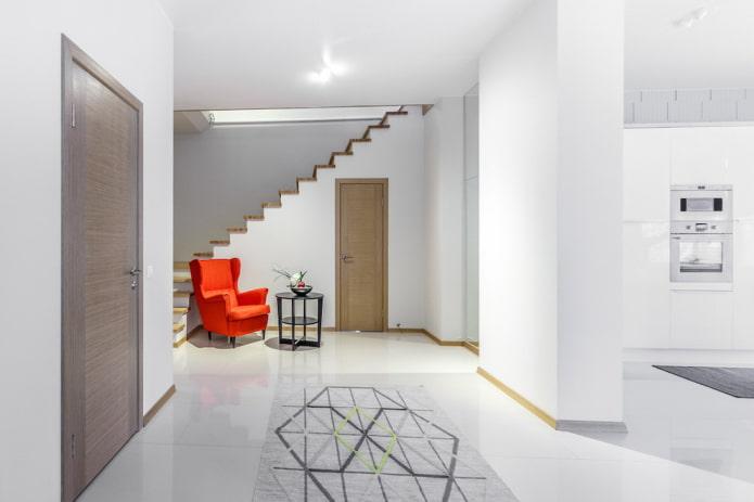 conception des couleurs du couloir à l'intérieur de la maison