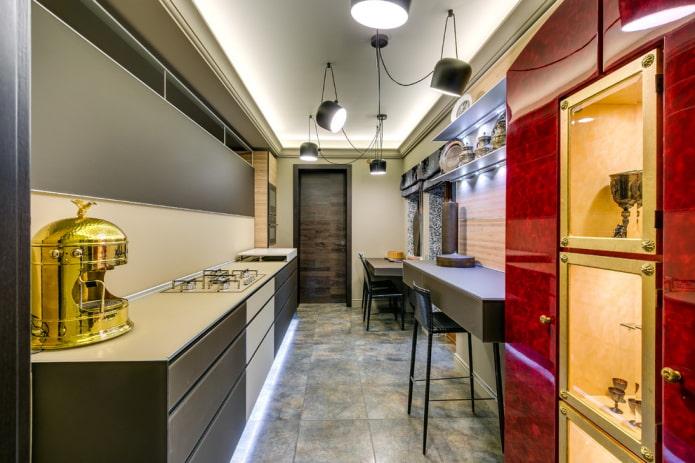 éclairage à l'intérieur d'une cuisine étroite