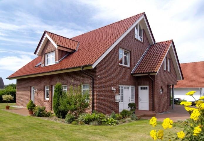 conception de maison en brique