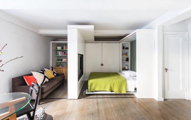 Un mur mobile est une excellente solution pour une petite chambre-salon