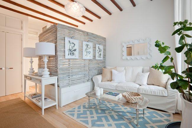 Chambre-salon cosy de 18 m² de style provençal