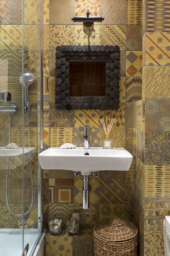 Finitions de salle de bain simples mais élégantes