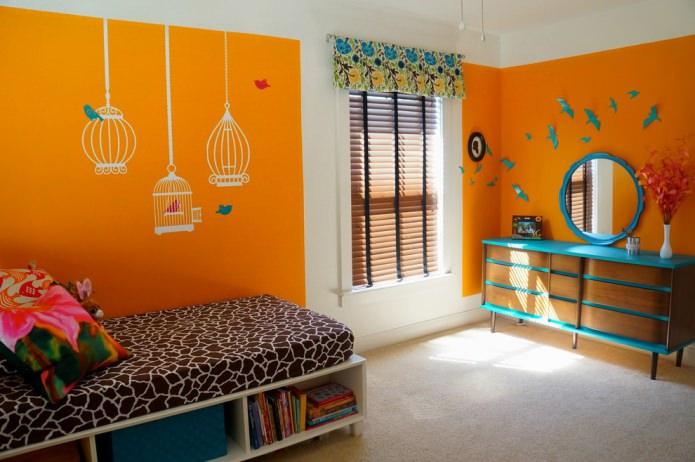 chambre d'enfant orange aux accents turquoise
