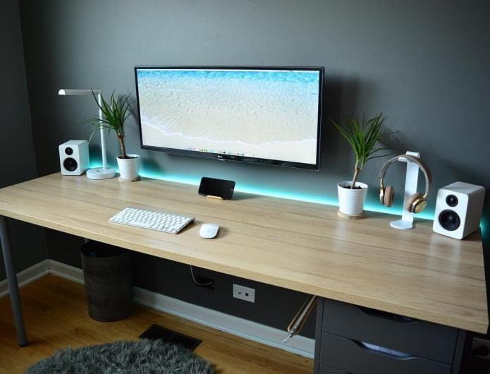 table d'écriture rétroéclairée à l'intérieur