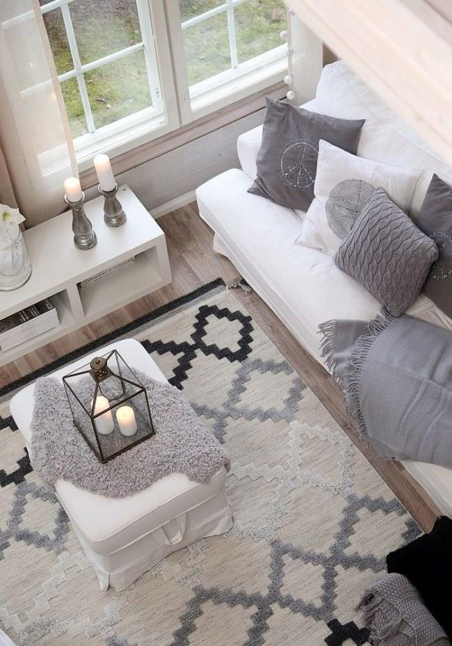 Revêtement de sol aux tons pastels calmes avec des motifs subtils dans la salle de pause