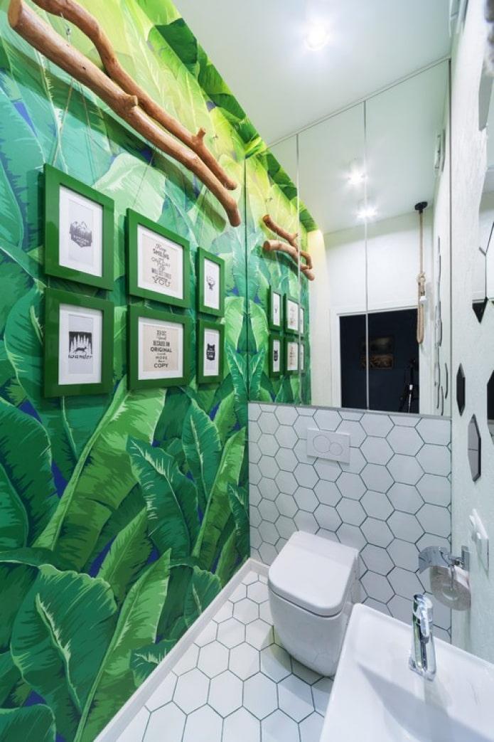 peintures murales dans les toilettes