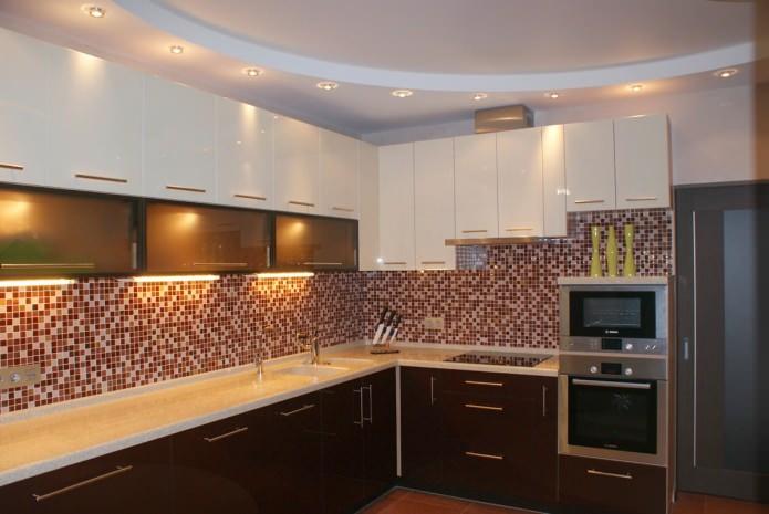 Plafond en placoplâtre lumineux dans la cuisine