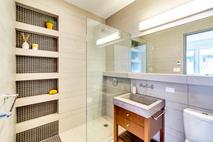 niches en mosaïque à l'intérieur de la salle de bain