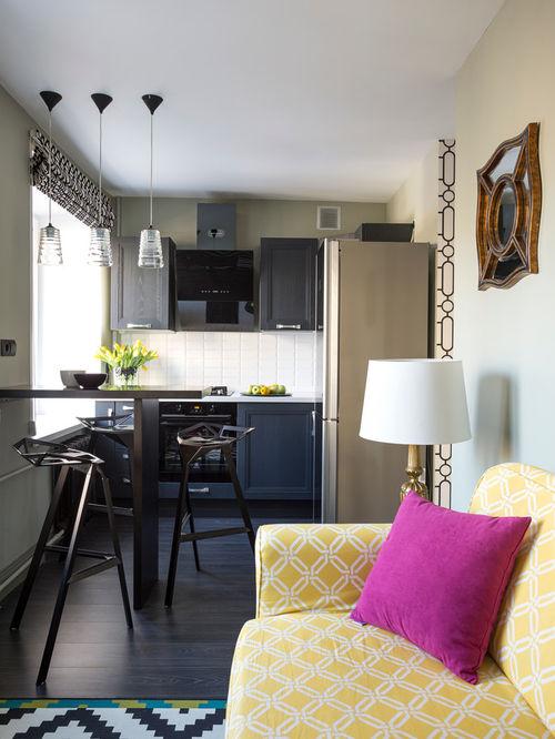 Le comptoir de bar et les chaises hautes ne prendront pas beaucoup de place, mais ils deviendront le point culminant de la cuisine