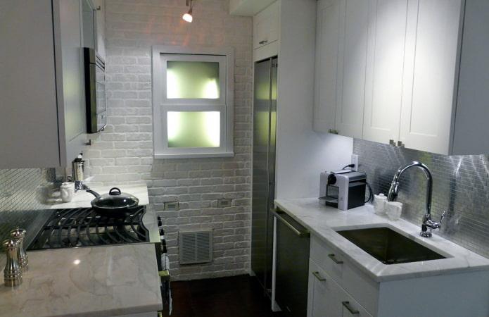 petite cuisine à deux rangées
