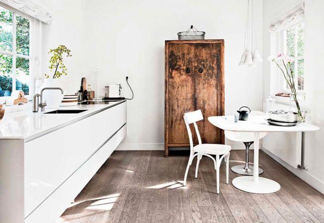 Une quantité limitée de meubles de cuisine pour une petite surface