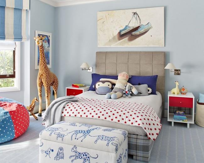 Chambre de bébé dans des tons bleus doux