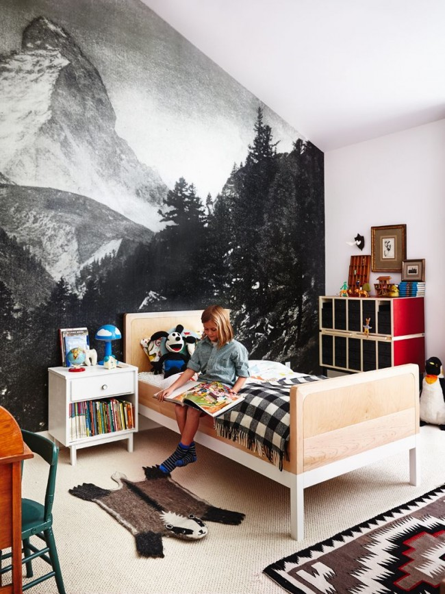 Vous voulez sûrement que votre enfant devienne indépendant le plus rapidement possible.  Tous les meubles doivent être disposés de manière à ce que le petit propriétaire puisse tout atteindre lui-même.