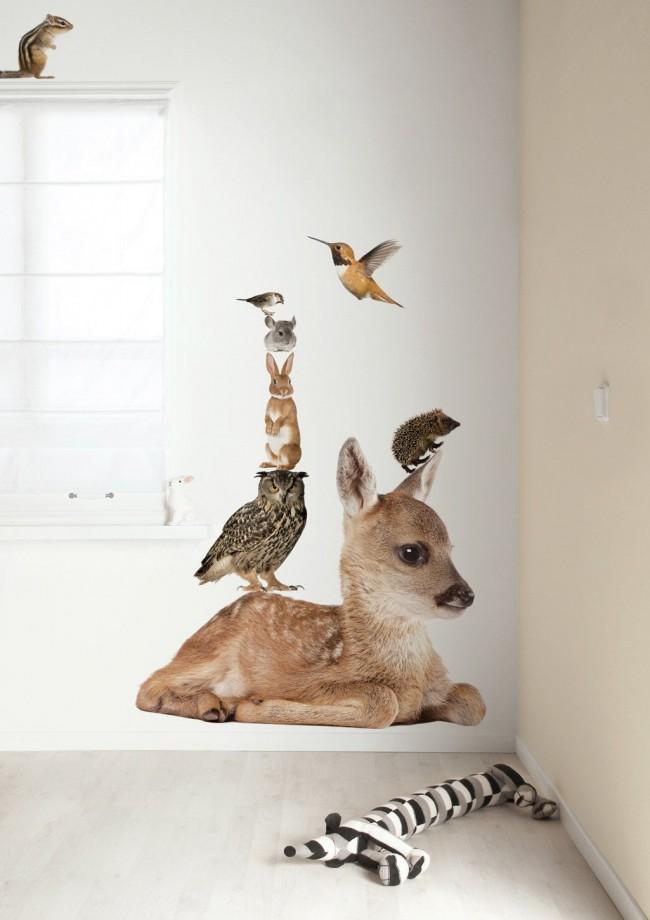 Des animaux mignons sur le mur décoreront la chambre des enfants