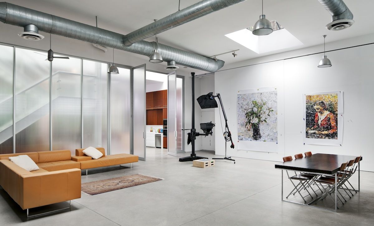 Cloison en verre dépoli dans un studio