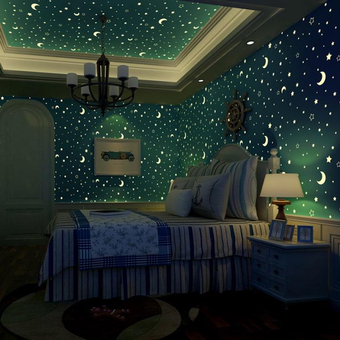 plafond avec des étoiles brillantes