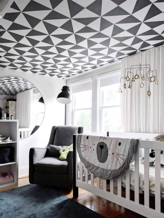 papier peint avec des formes géométriques au plafond